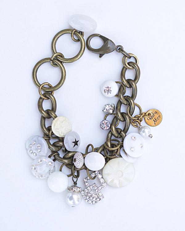 pearlsglassbuttonbracelet.jpg