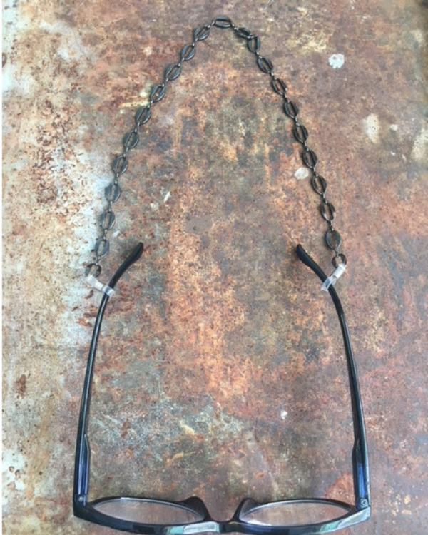 eye-glasses-chains.jpg.