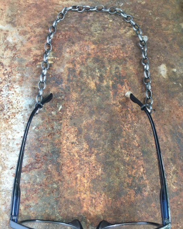 eye-glasses-chains.jpg.